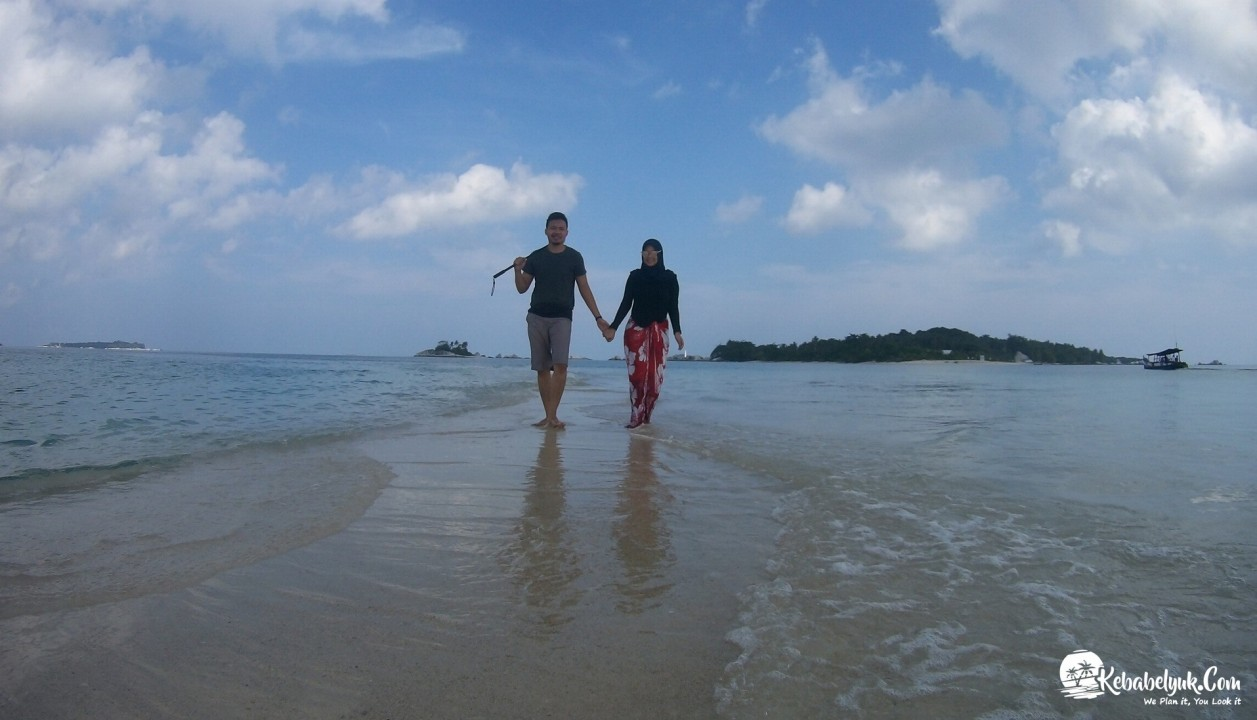 Pak Putra Dan Istri Berbulan Madu Di Belitung Desember 2017