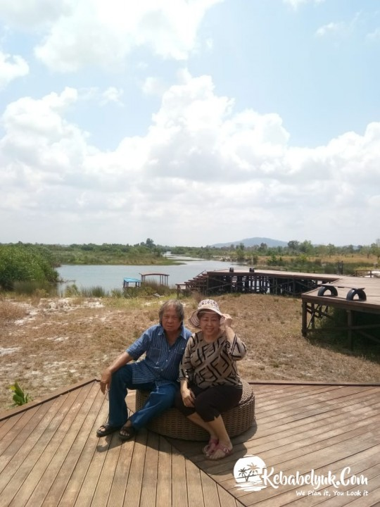 Belitung Tour - Ibu Ernie Suhandi