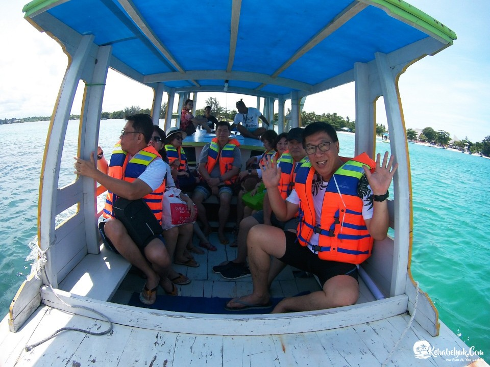 Pak Hadi Beserta Keluarga Paket Tour Belitung Januari 2018