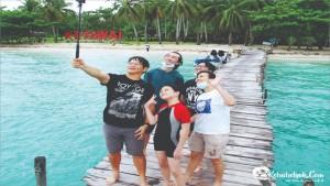 Ibu Syerli & Family Tour Pulau Ketawai