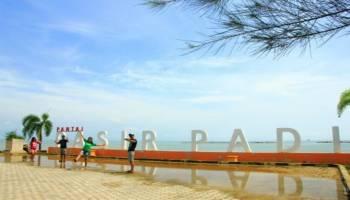 Pantai Pasir Padi Gurun Kecil Di Pesisir Kota Pangkalpinang