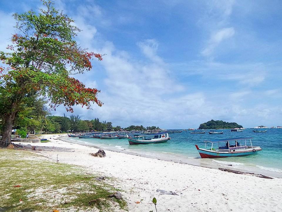 Wisata Belitung, Pantai Tanjung Kelayang